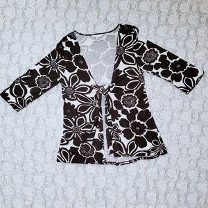 CABI brown and cream tie front tunic